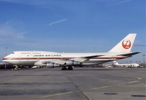 Japan_Air_Lines_Boeing_747-346_Gilliand